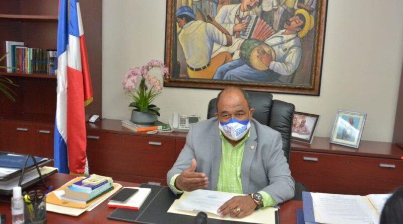 Vídeo: Senador Montecristi pide disculpas tras incidente en destacamento