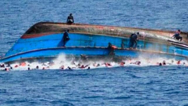 Armada RD rescata 8 personas naufragaron en zona costera de Juanillo