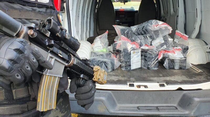 Incautan de 121 paquetes de cocaína en costas de Barahona