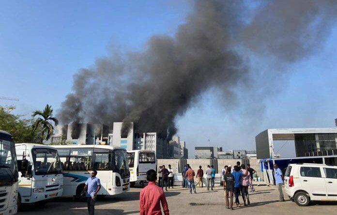 Al menos 5 muertos en un incendio en la principal fábrica de vacunas del mundo
